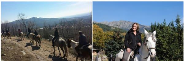 Grupo de amigos y familiares disfrutando de una actividad unica de paseo en caballo por la sierra de Madrid